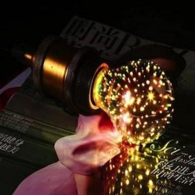 Bec cu proiectie 3D de artificii colorate, model E27