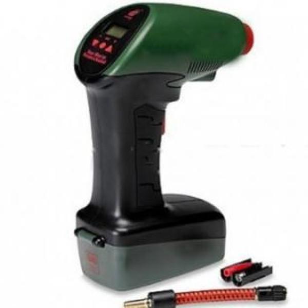 Compresor auto 12 V cu lanterna si display ce arata presiunea setata