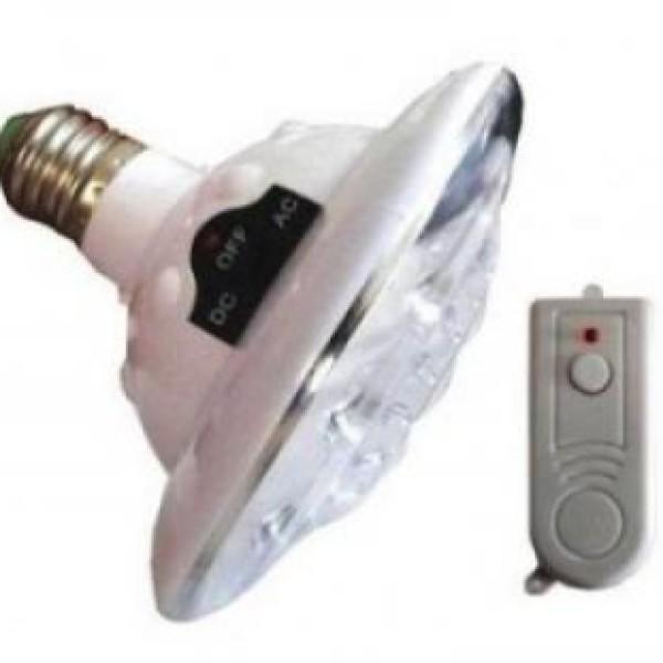 2 becuri LED, reincarcabile, cu telecomanda, se aprind automat in pana de curent