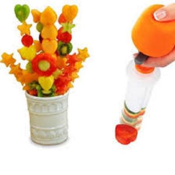 Pop Chef set cu decupaje pentru taierea in forme amuzante a fructelor si legumelor