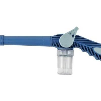 Dispozitiv de apa sub presiune pentru gradina, cu rezervor,