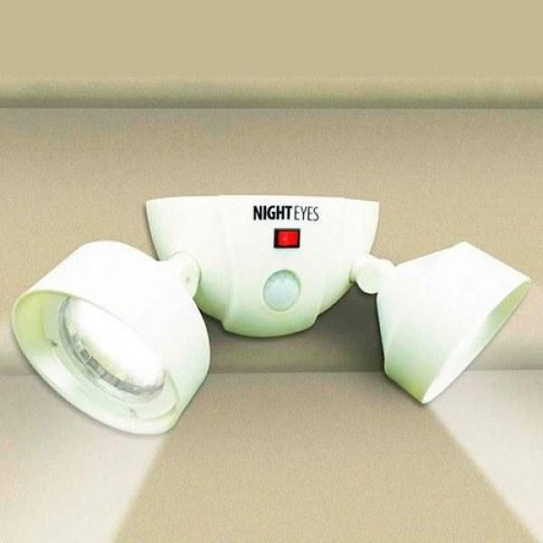 Night Eyes, becuri cu Led si senzor, pivotante, fara fir, pentru garaj, usa sau dulap